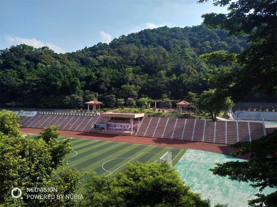 广州市白云行知职业技术学校美丽的校园